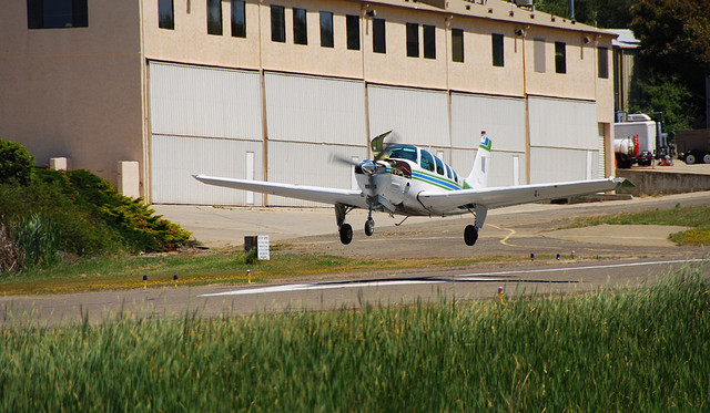 Landing_with_cowling_open