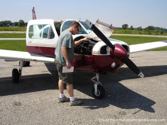 flighttrainingindianapa.com